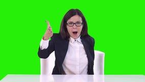 企业表达式沮丧的叫喊的妇女 挥动他的胳膊 股票视频