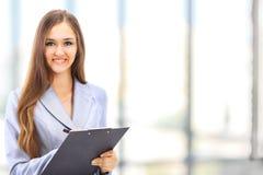 企业逗人喜爱的纵向妇女年轻人 免版税库存图片