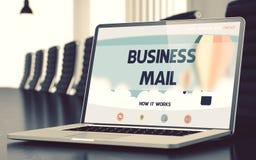 企业邮件-在膝上型计算机屏幕上 特写镜头 3d 库存照片