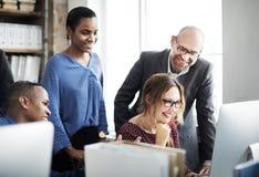 企业队会议讨论运作的概念 库存照片