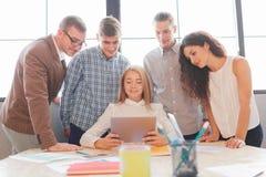 企业队开会议在办公室 小组工作 免版税图库摄影