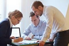 企业队研究项目的,配合 免版税库存照片