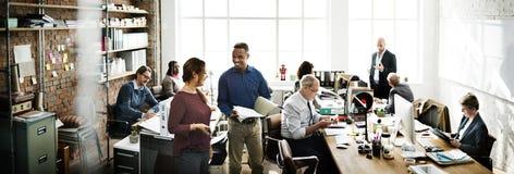 企业队运作的办公室工作者概念 免版税库存照片