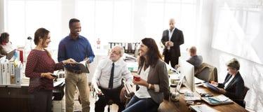 企业队运作的办公室工作者概念 库存照片