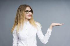 企业玻璃妇女年轻人 免版税库存照片