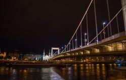 伊丽莎白桥梁Nightview在布达佩斯 免版税库存图片