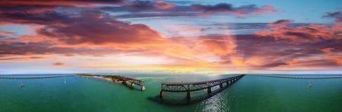 巴伊亚本田有老桥梁的国家公园鸟瞰图  库存图片