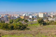 伊兹密尔市,土耳其 与现代大厦的都市风景 库存照片