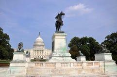 伊利亚斯S.在国会大厦,华盛顿特区前面的格兰特Memorial 免版税图库摄影