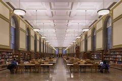 伊利诺伊大学的中央图书馆 库存照片