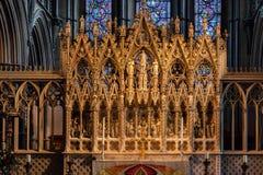 伊利, CAMBRIDGESHIRE/UK - 11月22日:一个法坛在伊利大教堂里 库存照片