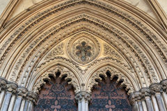 伊利, CAMBRIDGESHIRE/UK - 11月22日:对伊利大教堂的入口 库存图片