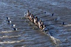 伊塔卡学院在查尔斯赛船会人` s学院Eights的负责人赛跑 库存照片