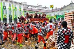 伊夫雷亚狂欢节。桔子争斗。 免版税库存照片
