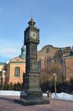 伊尔库次克,俄罗斯, 2017年3月, 03日 `大笨钟`时钟在伊尔库次克350周年的公园在早期的春天 图库摄影
