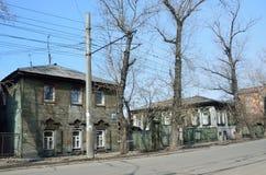 伊尔库次克,俄罗斯, 2017年3月, 16日 12月事件街道的木建筑学在伊尔库次克 免版税库存照片