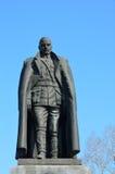 伊尔库次克,俄罗斯, 2017年3月, 09日 对亚历山大Vasilyevich Kolchak的纪念碑在伊尔库次克在早期的春天 免版税库存图片