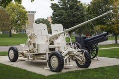 伊拉克人57mm短程高射炮军事开枪 免版税库存照片