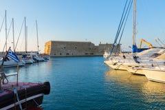 伊拉克利翁港口,克利特,希腊 免版税库存图片