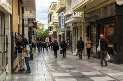 伊拉克利翁,希腊- 2017年11月:中央步行街道Heraclion,克利特Dedalu  免版税图库摄影