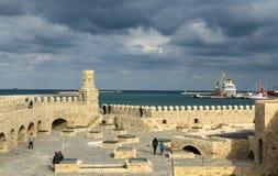 伊拉克利翁,希腊- 2017年11月:老威尼斯式堡垒Koule在太阳集合的,克利特伊拉克利翁 免版税库存图片