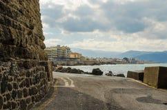 伊拉克利翁,希腊- 2017年11月:Heraclion港口看法为 图库摄影