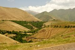 伊拉克山在伊朗附近的自治库尔德斯坦地区 免版税库存照片