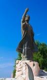 伊拉克诗人AlMutanabbi雕象在Mutanabbi街,巴格达,伊拉克结束时 库存照片