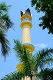 伊斯兰教的中心清真寺的尖塔在马塔兰,龙目岛,印度尼西亚 库存图片