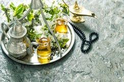 伊斯兰教的假日装饰 ramadan的kareem 茶碗筷 库存图片