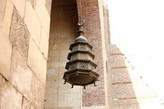 伊斯兰教的灯笼在老清真寺在开罗在埃及 免版税库存图片