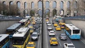伊斯坦布尔交通堵塞Timelapse在土耳其2016年Unkapani Sarachane区 股票视频