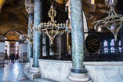 伊斯坦布尔土耳其:2016年4月10日 圣索非亚大教堂Ayasofya的内部在伊斯坦布尔,土耳其-建筑片段 库存图片