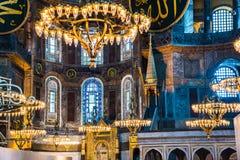 伊斯坦布尔土耳其:2016年4月10日 圣索非亚大教堂Ayasofya的内部在伊斯坦布尔,土耳其-建筑片段 图库摄影