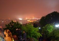 伊斯坦布尔夜风景视图 免版税库存照片