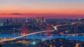 伊斯坦布尔市地平线都市风景时间间隔从天到bosphorus桥梁和财政商业中心夜视图  影视素材