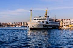 伊斯坦布尔市海运输海岸线 库存图片