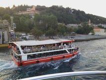 伊斯坦布尔旅游小船 库存图片