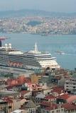 伊斯坦布尔横向屋顶 库存照片