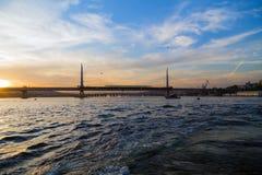 伊斯坦布尔海滨人行道视图,博斯普鲁斯海峡,土耳其 图库摄影