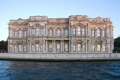 伊斯坦布尔老无背长椅宫殿 库存图片