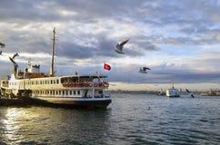伊斯坦布尔运送(叫在土耳其语的vapur) 图库摄影