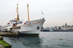 伊斯坦布尔运送(叫在土耳其语的vapur) 免版税库存图片