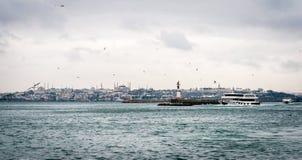 伊斯坦布尔都市风景在冬天 免版税库存照片