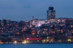 伊斯坦布尔风景在晚上 火鸡 库存图片