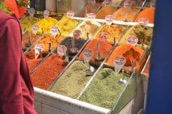 伊斯坦布尔香料义卖市场 免版税库存图片