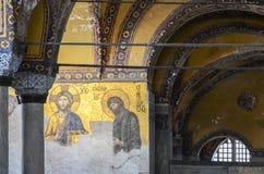 伊斯坦布尔,土耳其,2018年9月18日 圣索非亚大教堂内部和马赛克在伊斯坦布尔 免版税库存图片
