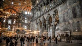 伊斯坦布尔,土耳其- 2013年2月11日, :从圣索非亚大教堂(Ayasofya)的内部场面 免版税库存图片
