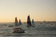 伊斯坦布尔,土耳其- 2015年10月03日:极端40体育场赛跑 极端40风船在极端航行的系列伊斯坦布尔竞争 免版税库存图片