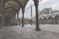 伊斯坦布尔,土耳其- 2015年12月13日:蓝色清真寺 免版税库存照片